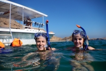 snorkeling tour in oman